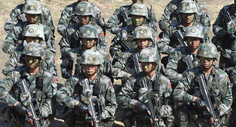 Soldados do Exército de Libertação Popular (ELP) da China