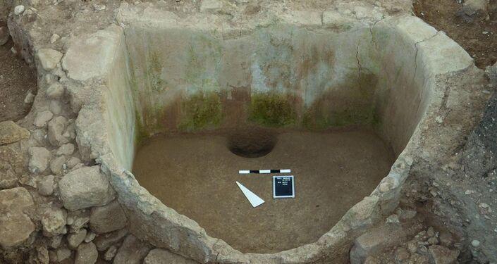 Lagar fenício descoberto em Tell el-Burak