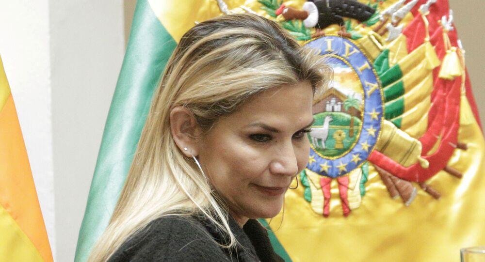 Presidenta autoproclamada da Bolívia, Jeanine Áñez
