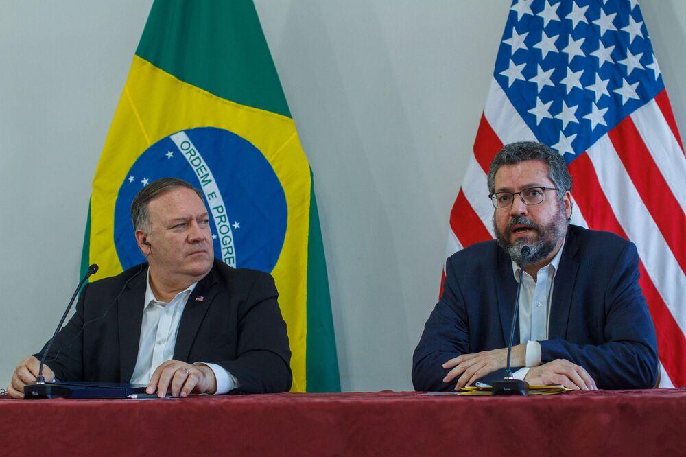 Secretário de Estado dos EUA, Mike Pompeo, durante encontro com o chanceler brasileiro, Ernesto Araújo, em Boa Vista (RR), 18 de setembro de 2020