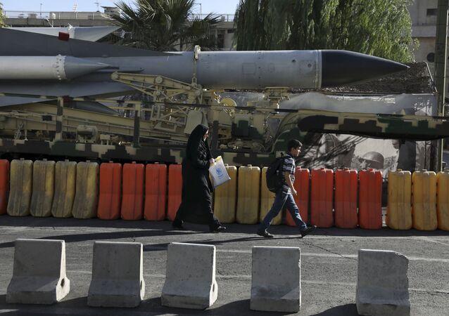 Míssil na exposição em comemoração da Semana da Defesa Sagrada que marca o início da Guerra Irã-Iraque, de 1980 a 1988, 25 de setembro de 2019