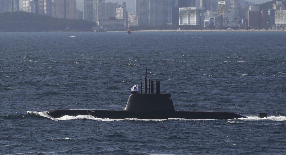 Submarino Ahn Jung Geun próximo ao porto de Busan, na Coreia do Sul