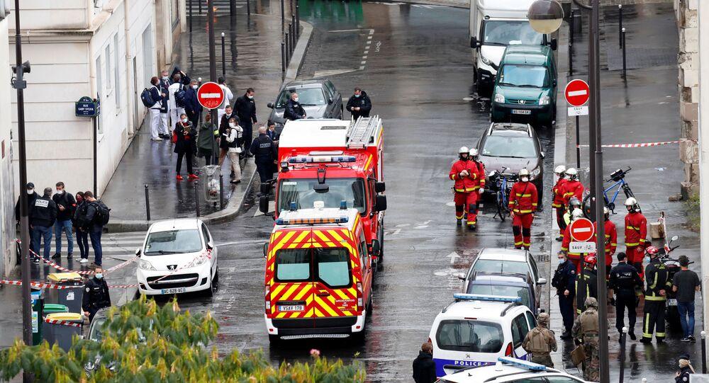 Serviços de emergência atendem um ataque próximo aos antigos escritórios do Charlie Hebdo em Paris