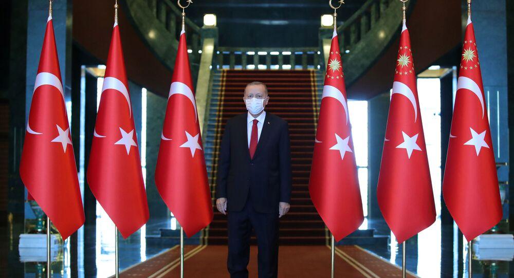 Presidente turco Recep Tayyip Erdogan participa de cerimônia que marca o 98º aniversário do Dia da Vitória no Palácio Presidencial em Ancara, Turquia, 30 de agosto de 2020