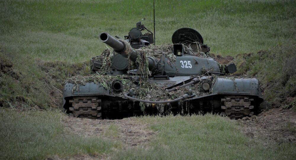 Tanque do Exército da Defesa de Nagorno-Karabakh na linha da frente