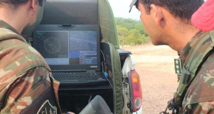 Brigada de Infantaria Paraquedista opera sistema de aeronaves remotamente pilotadas em ambiente amazônico