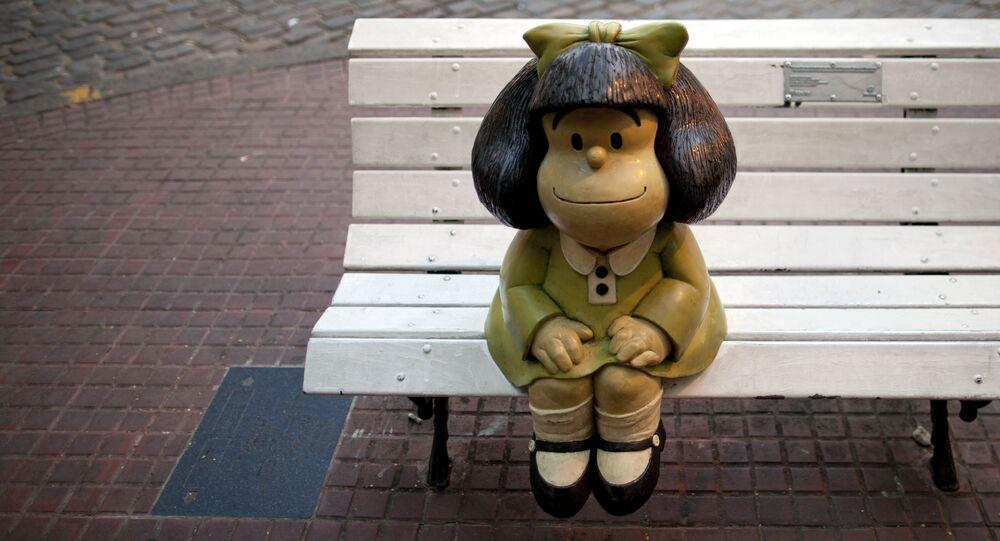 Estátua da personagem Mafalda em Buenos Aires