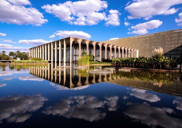 Em Brasília, o Palácio do Itamaraty é visto pelo lado de fora, em 11 de agosto de 2020.