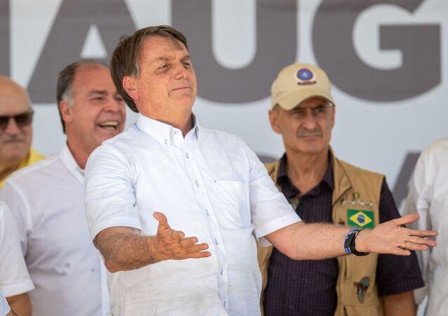 Presidente Jair Bolsonaro durante solenidade de inauguração da segunda etapa do Sistema Adutor do Pajeú, na PE-320, Serrote Redondo, na cidade de São José do Egito, em Pernambuco