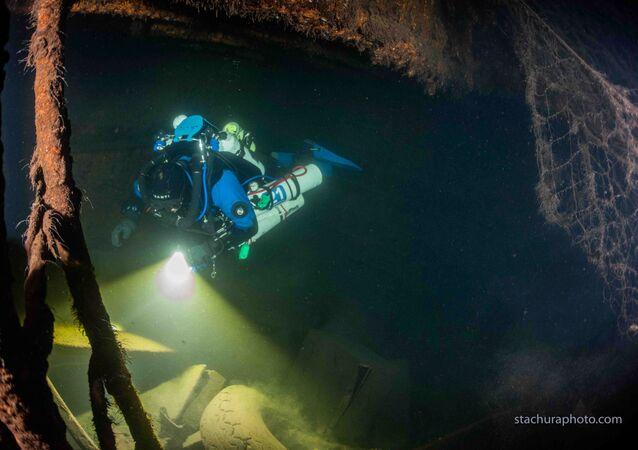 Restos de navio alemão do tempo da Segunda Guerra Mundial encontrados por mergulhador