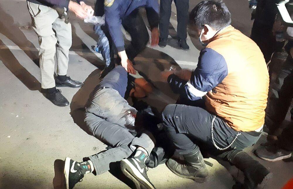 Pessoas feridas durante manifestações em Bishkek