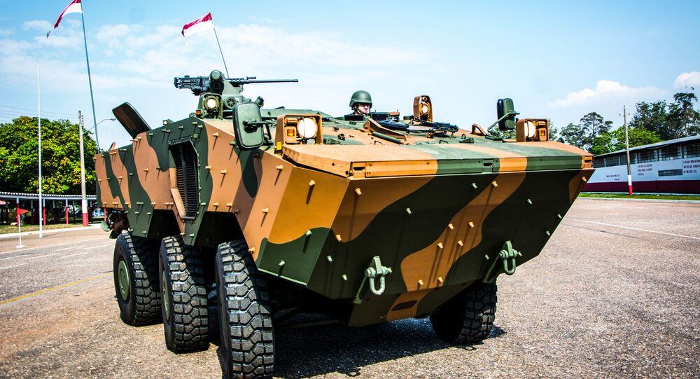O veículo blindado de transporte de pessoal Guarani, em 19 de outubro de 2016