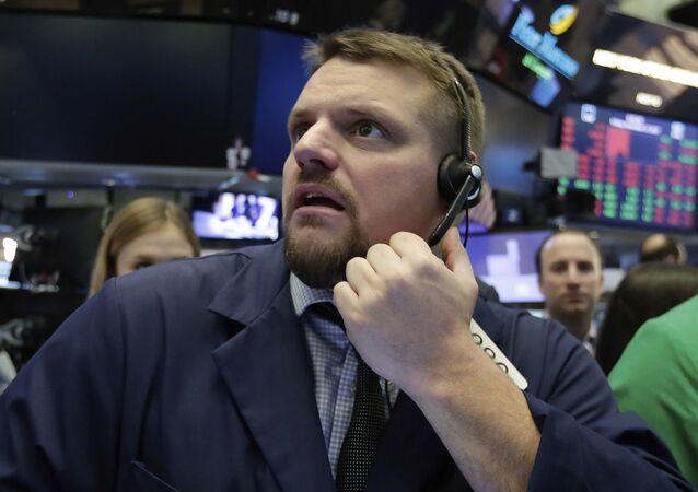 Operador da Bolsa de Nova York apreensivo por causa da queda dos mercados