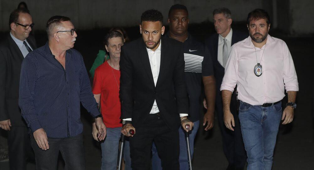 Neymar se apresenta em São Paulo  no dia 13 de junho de 2019 para depor sobre acusação de estupro