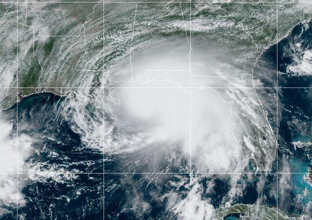 Imagem de satélite de furacão sobre o Golfo do México.
