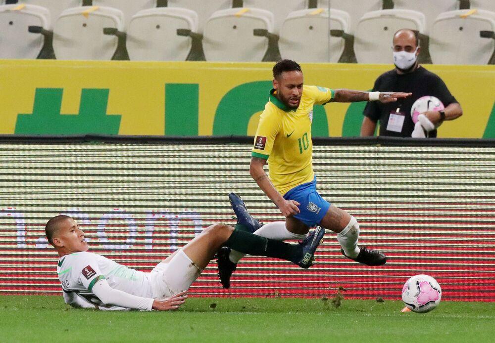 Jogo entre Brasil e Bolívia nas eliminatórias sul-americanas para o Mundial de 2022 no estádio do Morumbi, em São Paulo