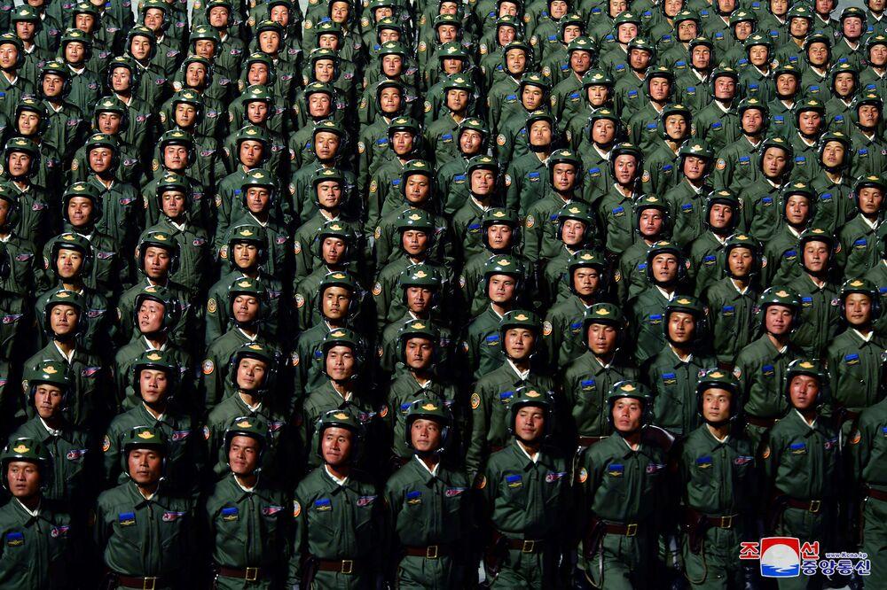 A Coreia do Norte comemora com desfile militar o 75º aniversário da fundação do Partido dos Trabalhadores norte-coreano, em 10 de outubro de 2020