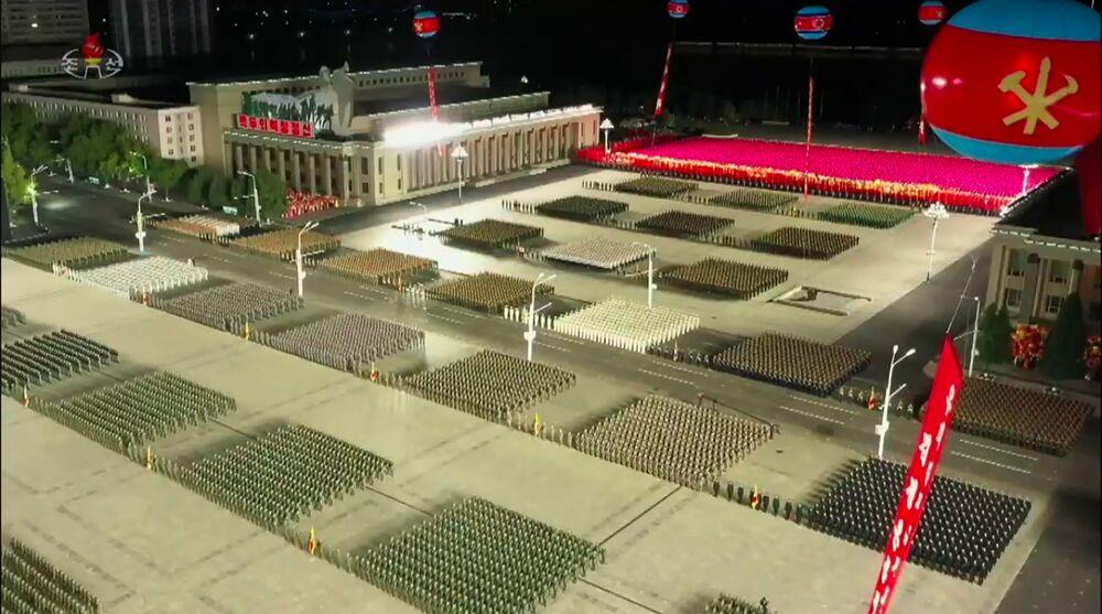Um frame de uma transmissão da emissora KCNA, da Coreia do Norte, mostra o desfile militar em celebração ao 75º aniversário da fundação do Partido dos Trabalhadores norte-coreano, em 10 de outubro de 2020