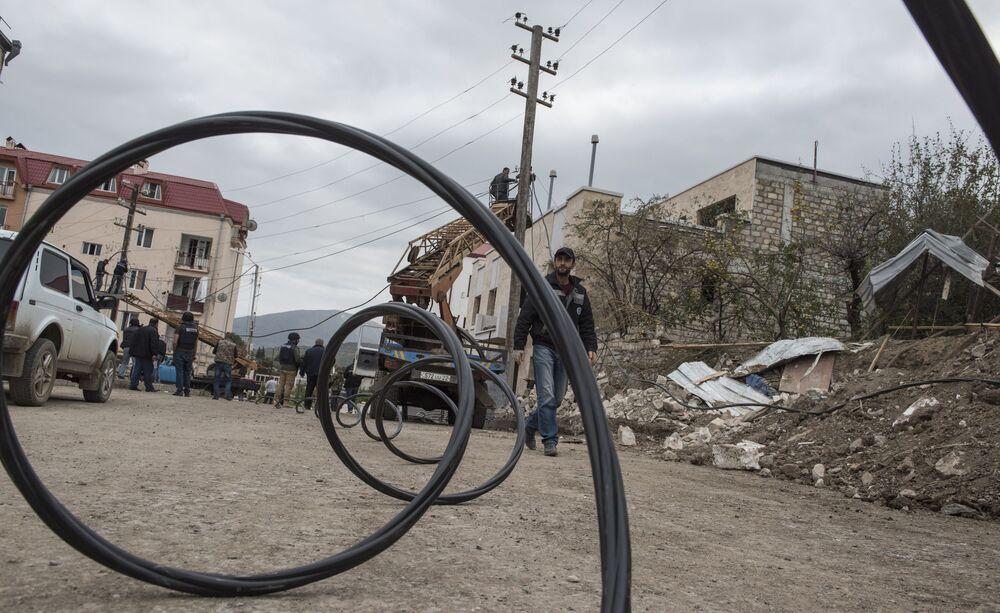 Restauração de rede elétrica da capital de Nagorno-Karabakh após ataques