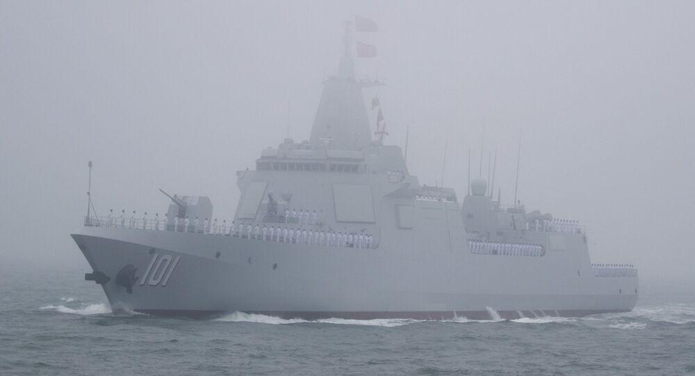 Novo destróier chinês de míssil guiado Type 055