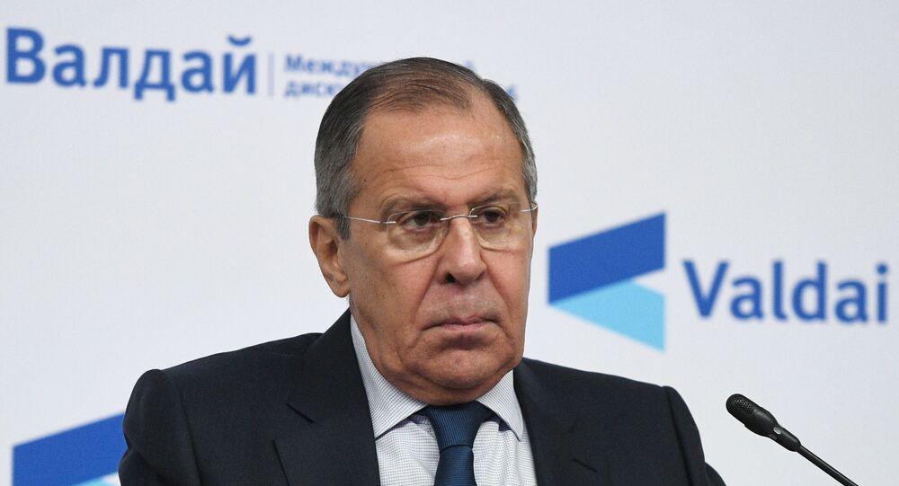 Em Moscou, o ministro das Relações Internacionais da Rússia, Sergei Lavrov, fala durante conferência do Clube Valdai de Discussões Internacionais, em 19 de dezembro de 2018