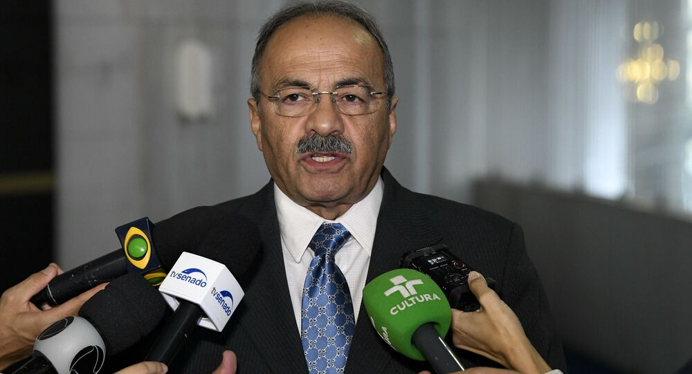 Senador Chico Rodrigues (DEM-RR) concede entrevista.