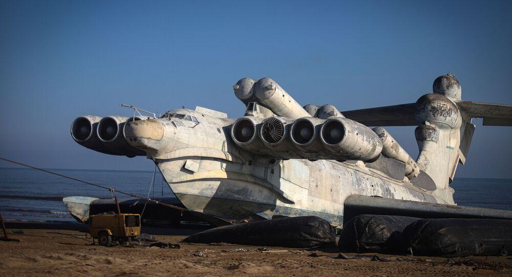 Ecranoplano soviético é flagrado na costa do mar do Cáspio