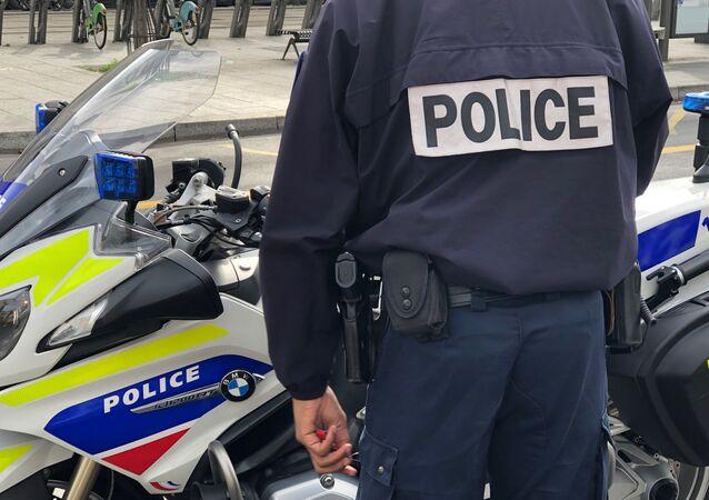 Agente da Polícia Nacional da França (arquivo)