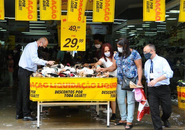 Movimentação no comércio da cidade de Campinas (SP)