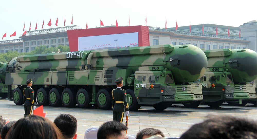 Mísseis balísticos intercontinentais DF-41 durante parada militar em Pequim, China, 01 de outubro de 2019