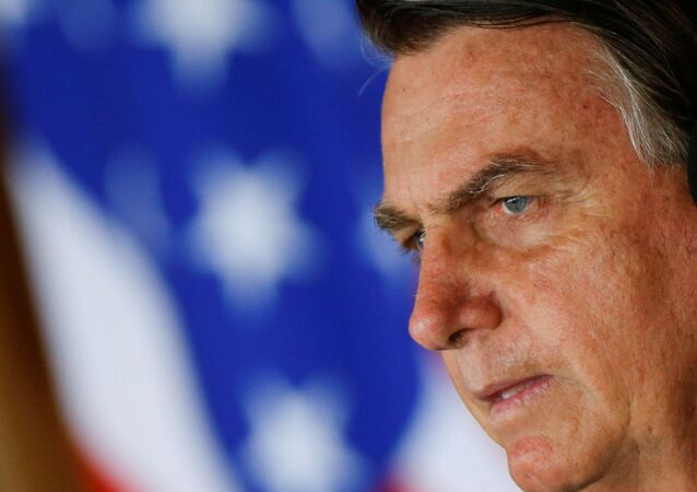 Presidente do Brasil, Jair Bolsonaro durante declaração à mídia com o assessor de Segurança Nacional dos EUA, Robert O'Brien, no Itamaraty, Brasília, 20 de outubro de 2020