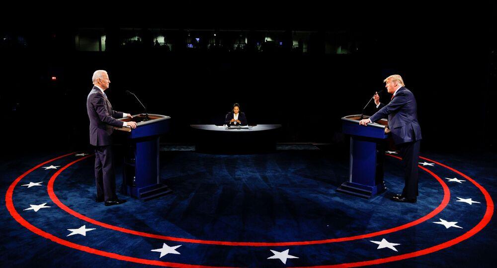 Presidente norte-americano, Donald Trump fala durante debate entre candidatos à presidência do país, em Nashville, Tennessee, EUA, 22 de outubro de 2020