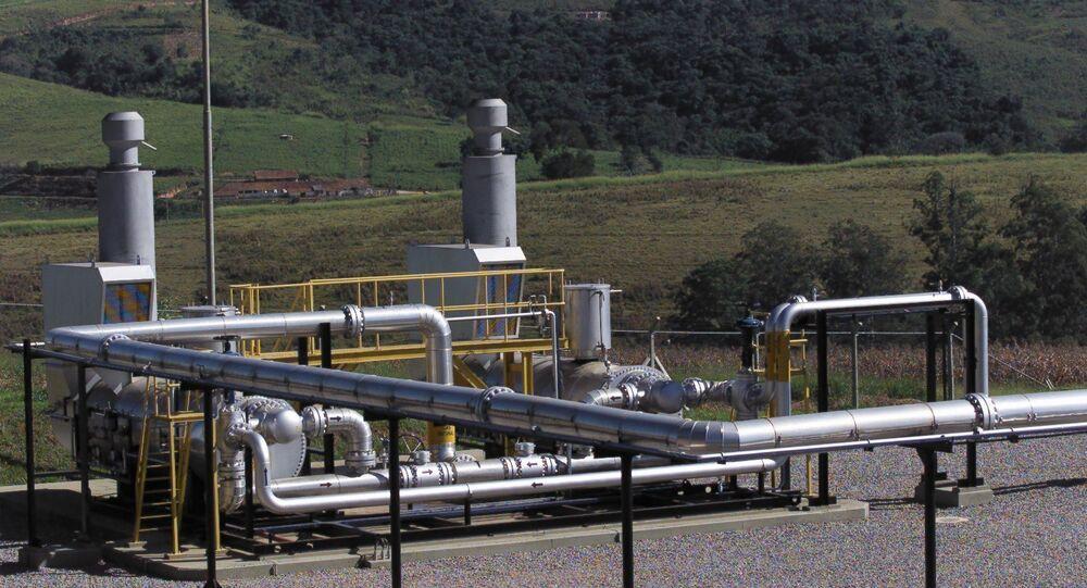 Tubulações que trazem o gás do gasoduto Brasil-Bolívia, em Itatiba, interior de São Paulo