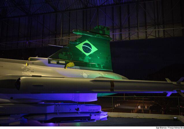 Cauda do caça F-39 Gripen apresentado durante workshop em Brasília em 27 de outubro de 2020