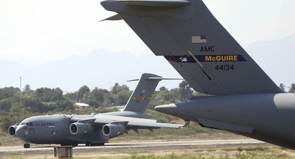 Aeronaves de carga C-17 da Força Aérea dos Estados Unidos