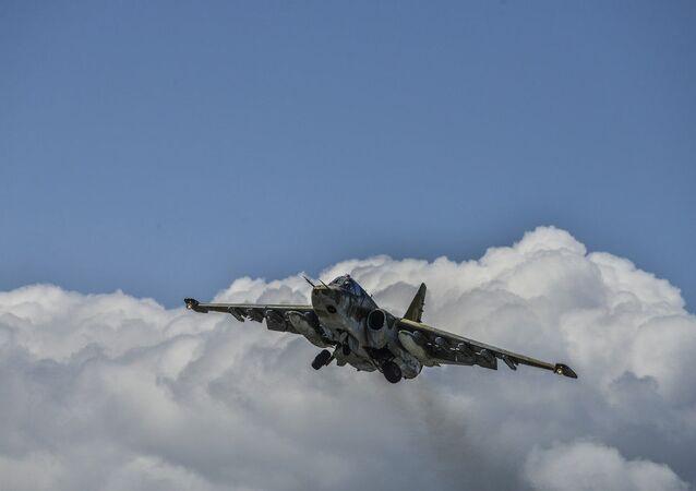 Caça de assalto Su-25 da Força Aérea da Armênia (imagem de arquivo)
