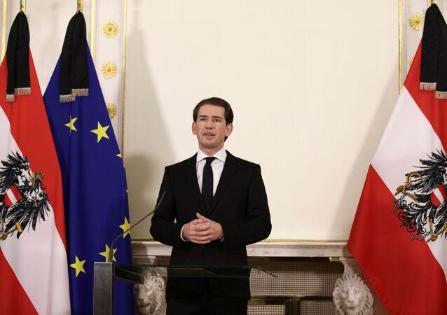 Chanceler austríaco Sebastian Kurz em coletiva de imprensa após tiroteio em Viena, Áustria, 3 de novembro de 2020