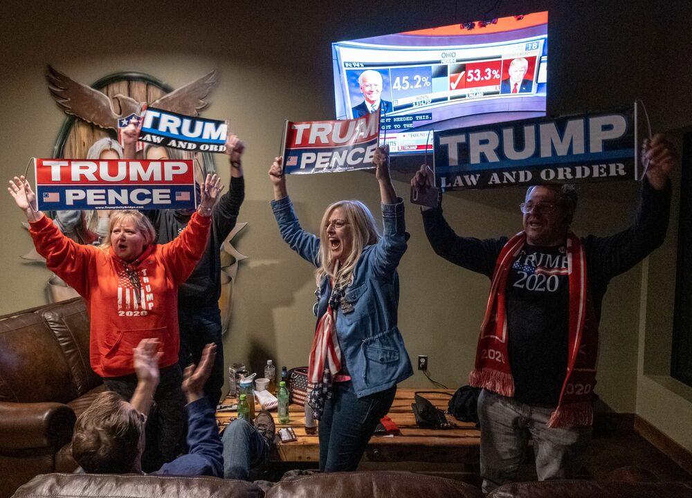 Apoiadores do presidente Donald Trump