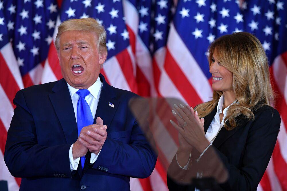 Donald e Melania Trump na Casa Branca no dia das eleições nos EUA