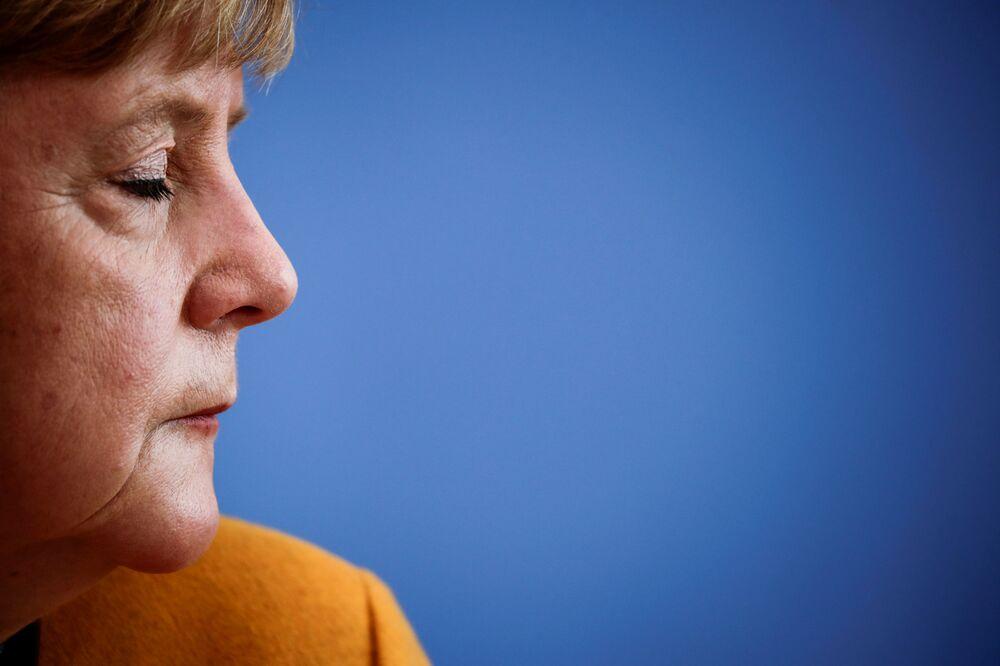 Chanceler alemã Angela Merkel durante coletiva de imprensa sobre a atual situação da pandemia de coronavírus em Berlim, Alemanha