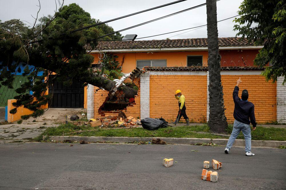 Consequências da tempestade Eta em El Salvador