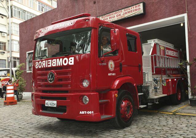 Caminhão do Corpo de Bombeiros, no bairro do Catete, Rio de Janeiro (imagem referencial).