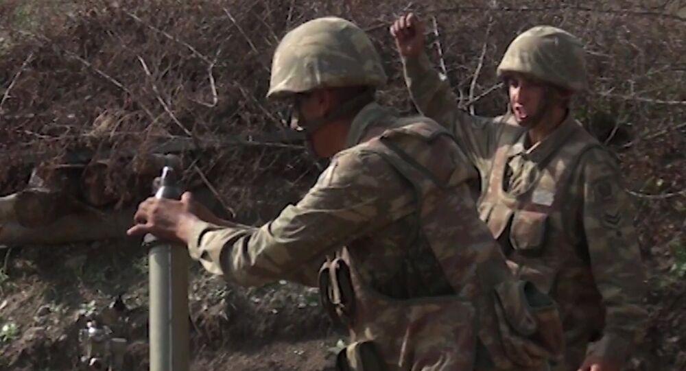 Militares das Forças Armadas do Azerbaijão em ação em Nagorno-Karabakh (foto de arquivo)