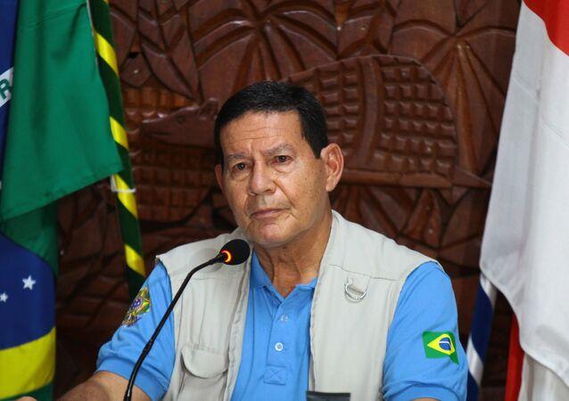 Vice-presidente Hamilton Mourão durante coletiva no Comando Militar da Amazônia, em Manaus (arquivo)