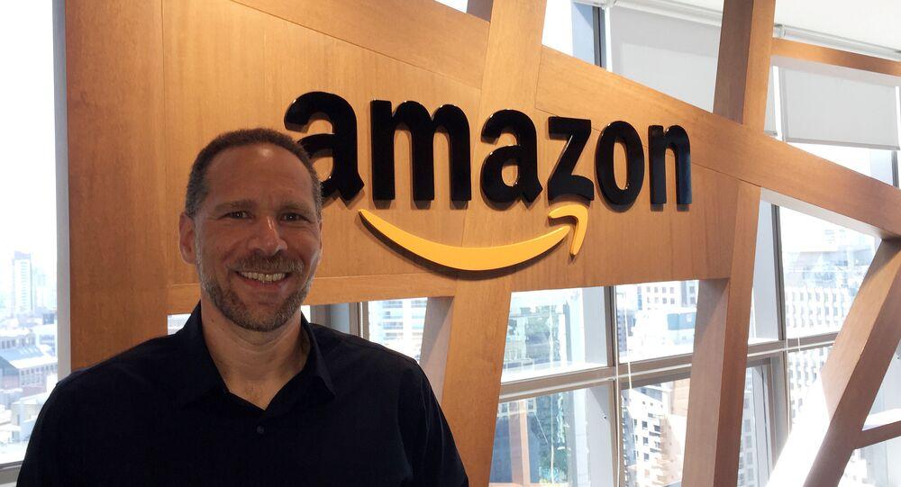 Diretor-executivo da Amazon Brasil, Alex Szapiro, sorri após entrevista com a agência Reuters em São Paulo, Brasil, 21 de janeiro de 2019