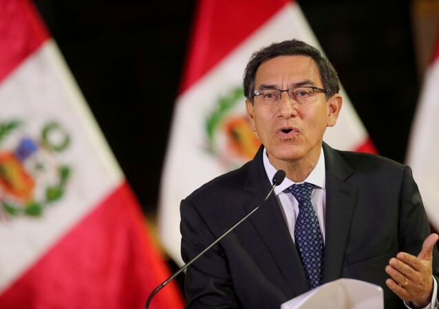 O presidente do Peru, Martín Vizcarra, faz pronunciamento.