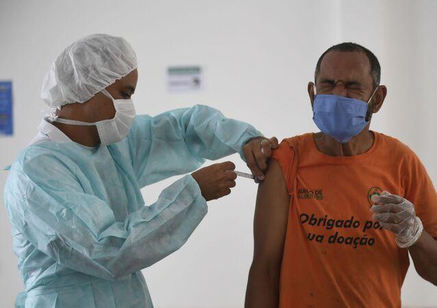 Ação de vacinação contra  H1N1 no Ceasa de Brasília em 9 de novembro de 2020