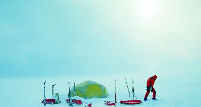 Acampamento de equipe do Programa Antártico Brasileiro