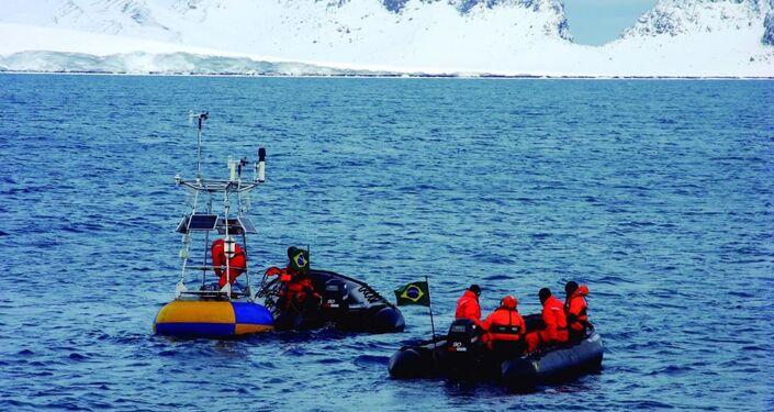 Equipe de pesquisa do Programa Antártico Brasileiro