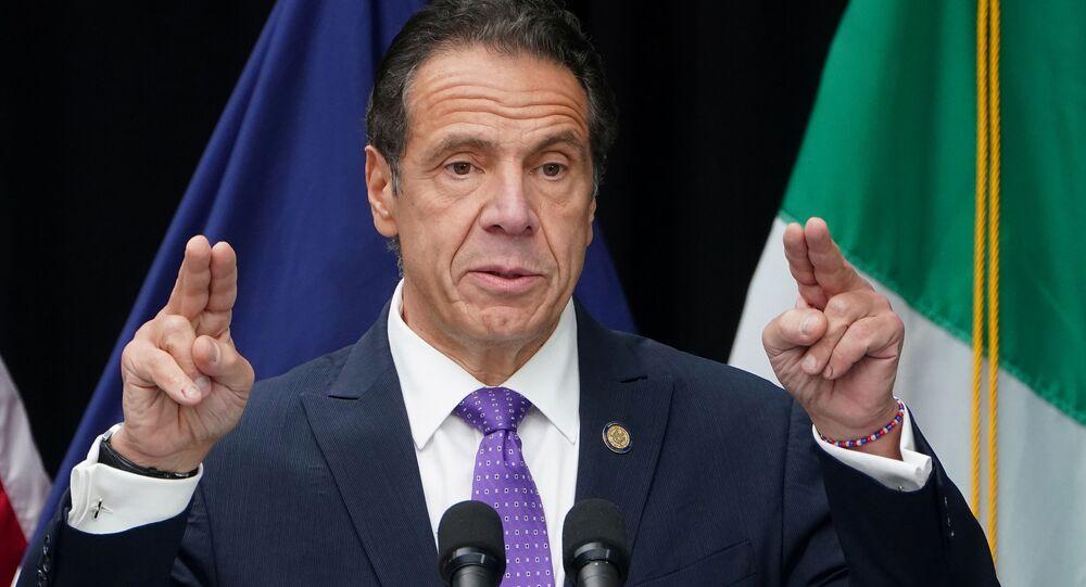 O governador de Nova York Andrew Cuomo